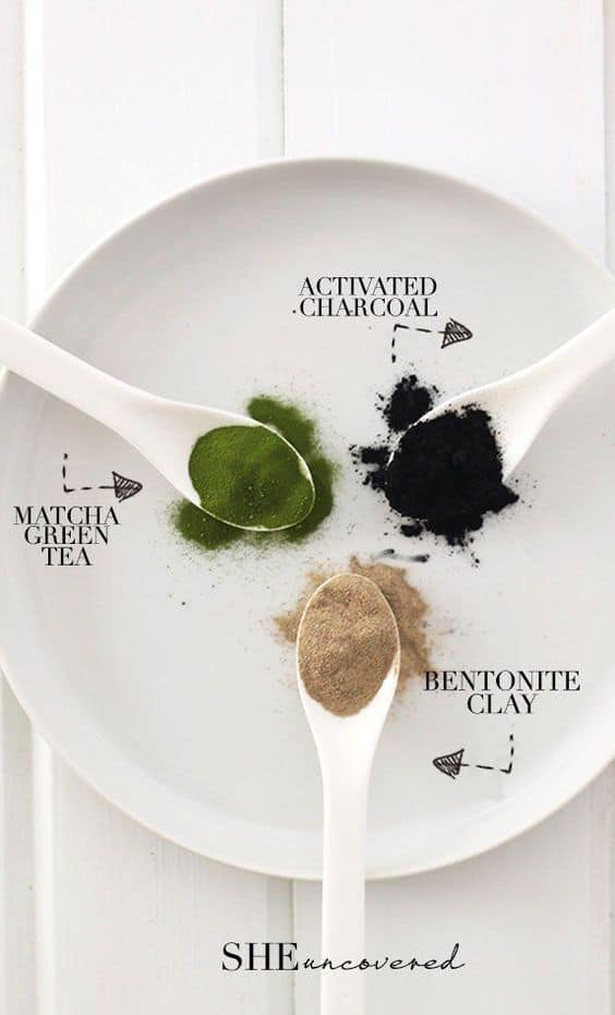 This activated charcoal face mask diy is another rinse-off type. It makes us of three ingredients, namely activated charcoal, bentonite clay, and matcha green tea.