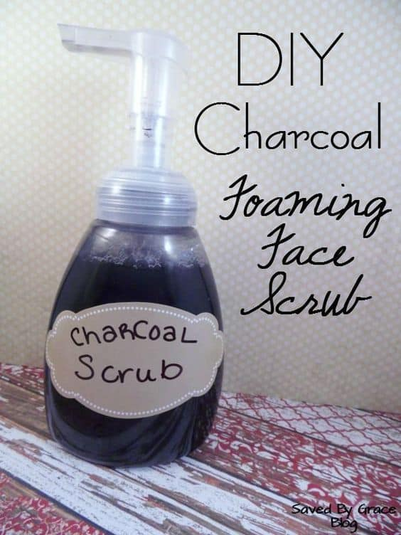 This face scrub is perfect for those who want to go all-natural. It uses 4 simple ingredients, namely rose water, activated charcoal, Castile soap, and lavender essential oil.